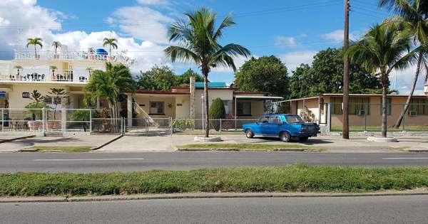 Casa de  5 cuartos, 5 baños y 1 garaje por $ 300.000 en Cienfuegos, Cienfuegos