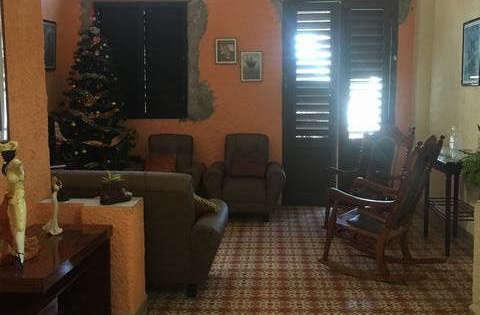 Casa de  3 cuartos y 1 baño por $ 170.000 en La Habana Vieja, La Habana