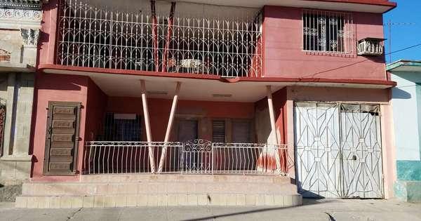 Casa de  8 cuartos y 3 baños por $ 90.000 en Cienfuegos, Cienfuegos