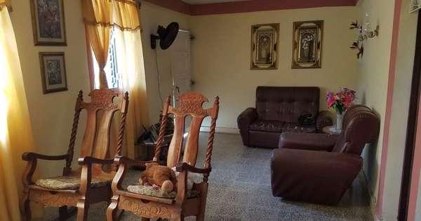 Casa de  3 cuartos, 3 baños y 1 garaje por $ 35.000 en Cienfuegos, Cienfuegos