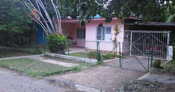 Casa de  3 cuartos, 2 baños y 1 garaje por $ 80.000 en Arroyo Naranjo, La Habana