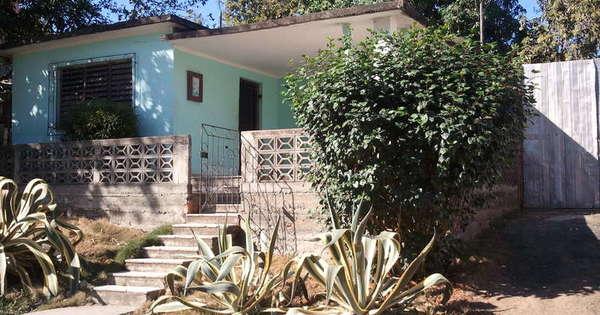 Casa de  3 cuartos, 1 baño y 1 garaje por $ 30.000 en Cienfuegos, Cienfuegos