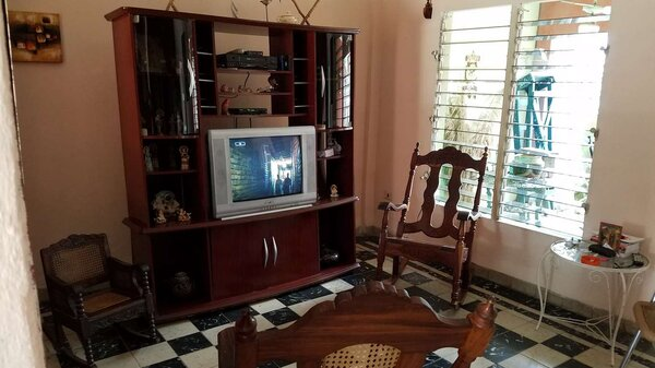 Casa de  3 cuartos, 2 baños y 1 garaje por $ 75.000 en Cienfuegos, Cienfuegos