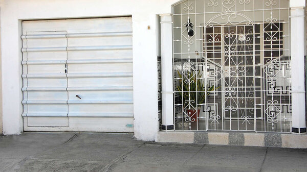 Casa de  3 cuartos, 3 baños y 1 garaje por $ 70.000 en Cienfuegos, Cienfuegos