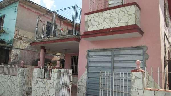 Casa de  3 cuartos, 3 baños y 1 garaje por $ 50.000 en Camagüey, Camagüey