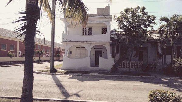 Casa de  3 cuartos y 2 baños por $ 40.000 en Granma/Manzanillo