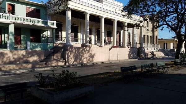 Casa de  6 cuartos y 3 baños por $ 70.000 en Cienfuegos, Cienfuegos