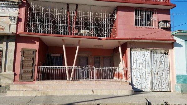 Picture on Casa de 8 cuartos y 3 baños por $ 90.000 en Cienfuegos, Cienfuegos