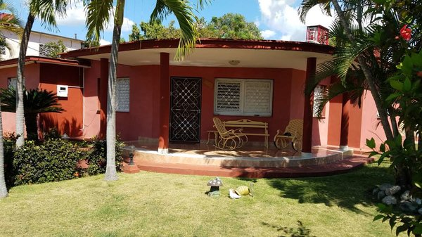 Picture on Casa de  6 cuartos, 6 baños y 1 garaje por $ 270.000 en Cienfuegos, Cienfuegos