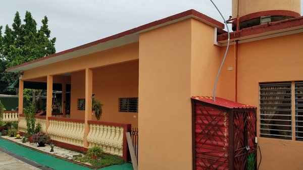 Picture on Casa de 3 cuartos, 2 baños y 1 garaje por $ 100.000 en Cienfuegos, Cienfuegos