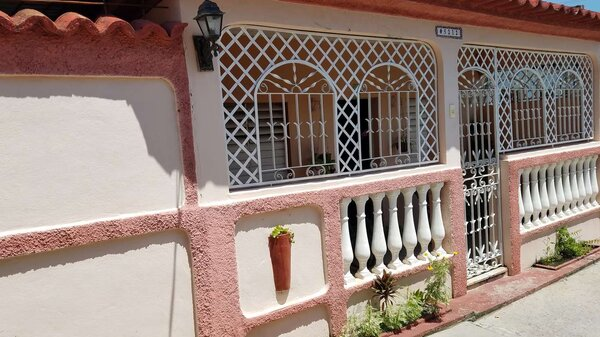 Casa de  1 cuarto, 1 baño y 1 garaje por $ 23.000 en Cienfuegos, Cienfuegos