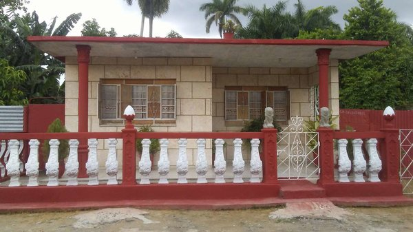 Casa de  3 cuartos, 1 baño y 1 garaje por $ 40.000 en Cienfuegos/Cienfuegos/Tulipán