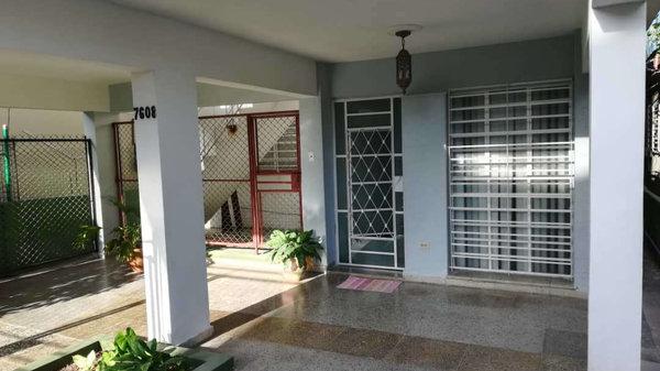 Picture on Casa de 3 cuartos y 2 baños por $ 66.500 en Marianao, La Habana