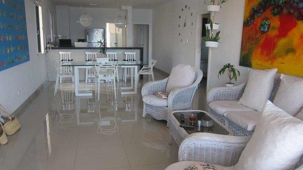 Apartamento de  4 cuartos, 3 baños y 1 garaje por $ 250.000 en La Habana/Playa/Miramar