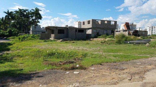 Terreno  de 204 metros cuadrados por $ 10.000 en Cienfuegos, Cienfuegos