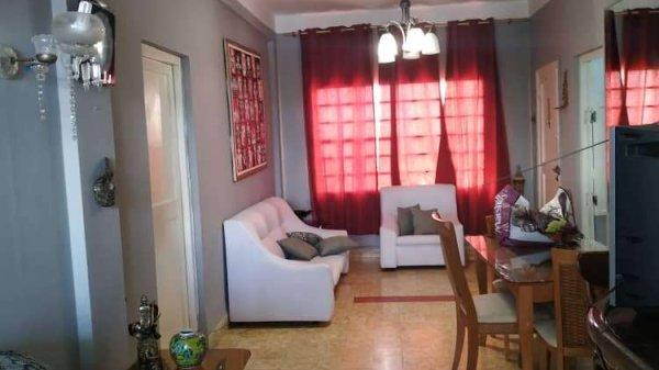 Apartamento de  4 cuartos, 2 baños y 2 garajes por $ 165.000 en La Habana/Playa/Miramar