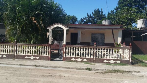 Casa de  3 cuartos, 1 baño y 1 garaje por $ 20.000 en Palmira, Cienfuegos