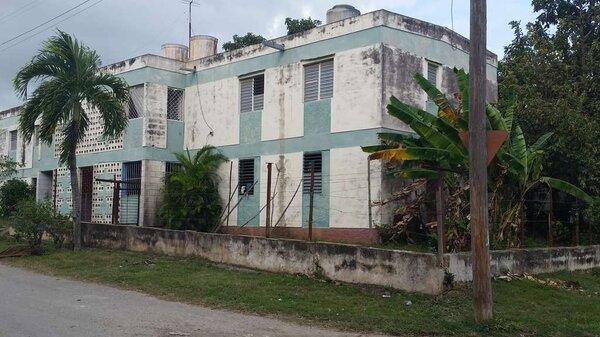 Apartamento de  3 cuartos y 1 baño por $ 18.000 en Cienfuegos, Cienfuegos