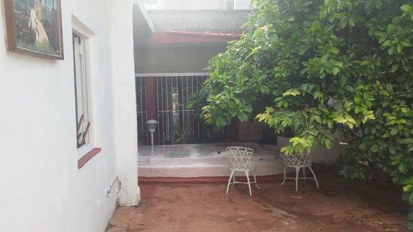 Casa de  14 cuartos, 14 baños y 1 garaje por $ 325.000 en Playa, La Habana