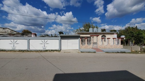 Picture on Casa de 2 cuartos, 3 baños y 1 garaje por $ 100.000 en Cienfuegos, Cienfuegos