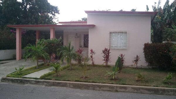 Picture on Casa de 3 cuartos, 2 baños y 1 garaje por $ 120.000 en Cienfuegos, Cienfuegos