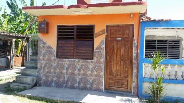 Casa de  3 cuartos y 1 baño por $ 17.000 en Cienfuegos/Cienfuegos/Punta Cotica