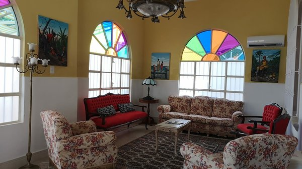 Picture on Casa de 4 cuartos, 4 baños y 1 garaje por $ 315.000 en Plaza de la Revolución, La Habana