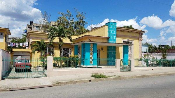 Casa de  5 cuartos, 4 baños y 1 garaje por $ 95.000 en Cienfuegos, Cienfuegos