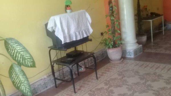 Picture on Casa de 4 cuartos y 2 baños por $ 45.000 en Diez de Octubre, La Habana