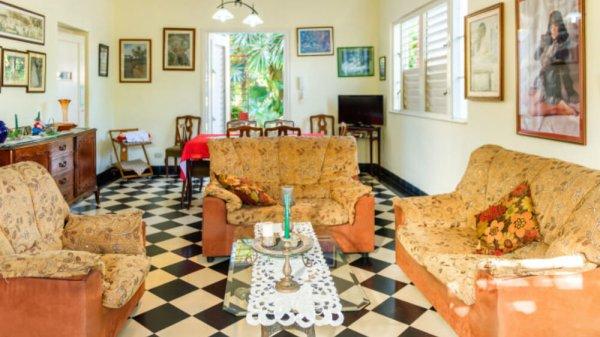 Picture on Casa de 4 cuartos, 5 baños y 1 garaje por $ 390.000 en Playa, La Habana