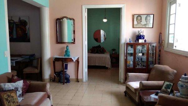 Casa de  2 cuartos y 1 baño por $ 150.000 en Plaza de la Revolución, La Habana
