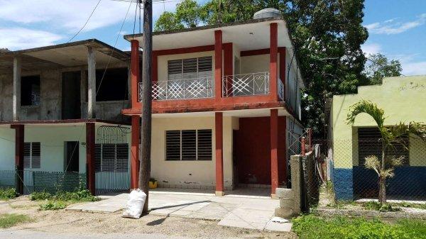 Casa de  4 cuartos y 2 baños por $ 30.000 en Cienfuegos/Cienfuegos/Tulipán