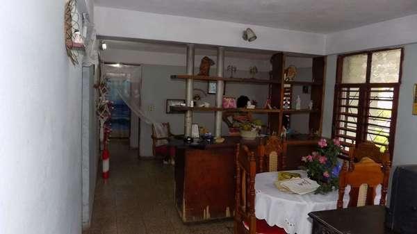 Casa de  4 cuartos, 1 baño y 1 garaje por $ 45.000 en Villa Clara/Santa Clara