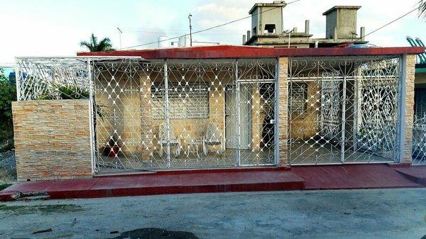 Casa de  3 cuartos, 2 baños y 1 garaje por $ 110.000 en Cienfuegos/Cienfuegos/Punta Gorda
