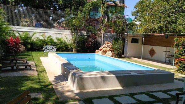 Casa de  7 cuartos, 9 baños y 1 garaje por $ 750.000 en Playa, La Habana