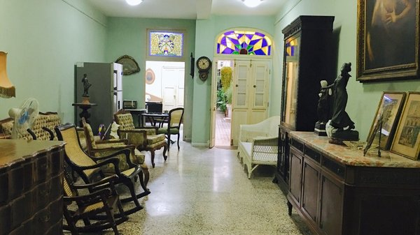 Casa de  6 cuartos y 3 baños por $ 130.000 en La Habana Vieja, La Habana