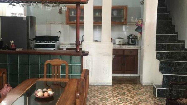 Casa de  4 cuartos, 4 baños y 1 garaje por $ 180.000 en Plaza de la Revolución, La Habana