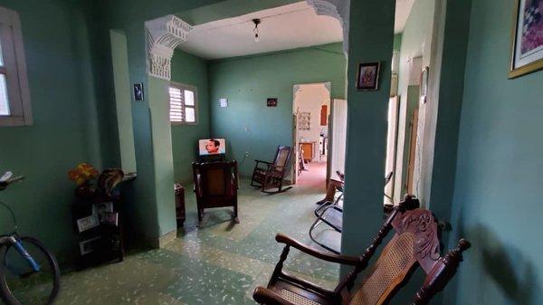 Picture on Casa de 5 cuartos y 1 baño por $ 70.000 en Cienfuegos, Cienfuegos