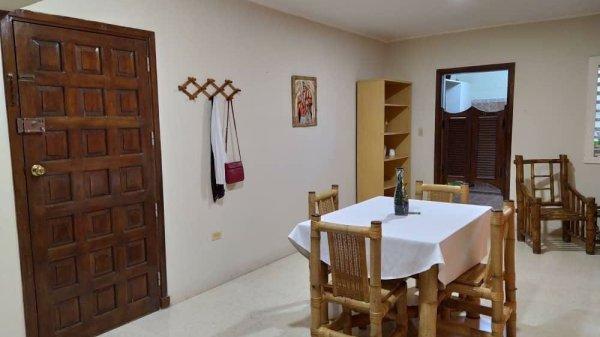 Apartamento de  3 cuartos y 3 baños por $ 180.000 en Plaza de la Revolución, La Habana