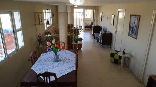 Apartamento de  4 cuartos y 3 baños por $ 150.000 en Centro Habana, La Habana
