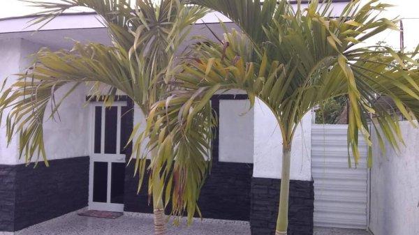 Casa de  3 cuartos, 2 baños y 1 garaje por $ 170.000 en Boyeros, La Habana