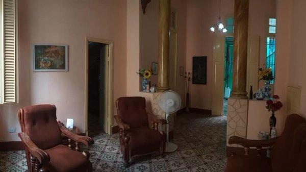 Picture on Casa de 6 cuartos y 1 baño por $ 80.000 en Centro Habana, La Habana