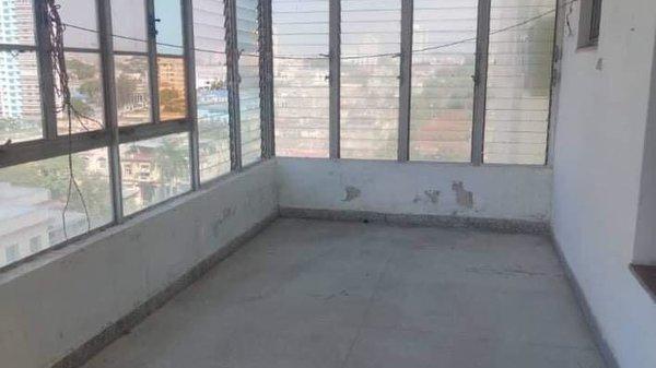 Picture on Apartamento de 3 cuartos, 2 baños y 1 garaje por $ 150.000 en Plaza de la Revolución, La Habana