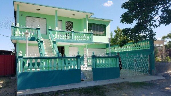 Casa de  3 cuartos, 3 baños y 1 garaje por $ 75.000 en Cumanayagüa, Cienfuegos
