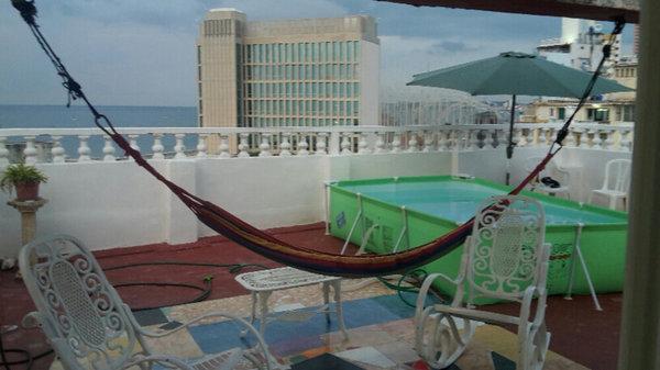 Apartamento de  4 cuartos, 2 baños y 1 garaje por $ 175.000 en La Habana/Plaza de la Revolución