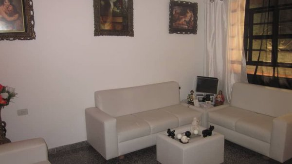 Casa de  4 cuartos y 4 baños por $ 100.000 en Cienfuegos/Cienfuegos/La Gloria