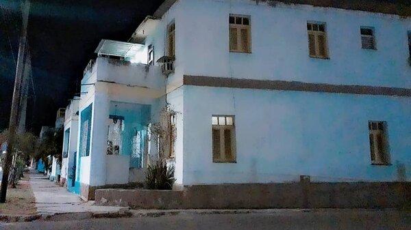 Casa de  4 cuartos y 2 baños por $ 60.000 en Cerro, La Habana