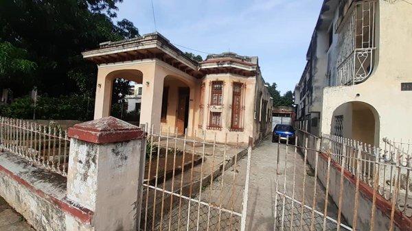 Picture on Casa de 5 cuartos, 3 baños y 1 garaje por $ 130.000 en Playa, La Habana