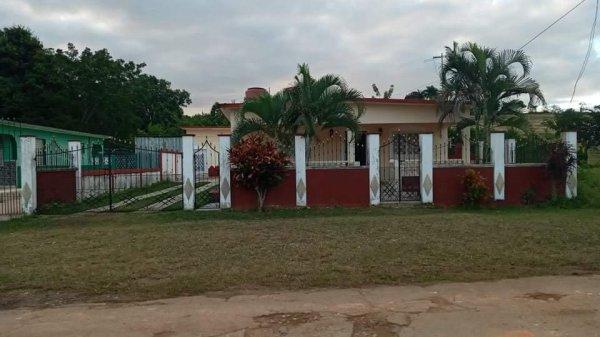 Picture on Casa de 4 cuartos y 2 baños por $ 80.000 en Matanzas, Matanzas