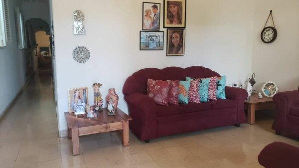 Picture on Casa de 4 cuartos y 2 baños por $ 95.000 en Diez de Octubre, La Habana